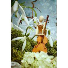 Sternkopf-Engel Mini aus Akazienholz mit Bassgeige, stehend