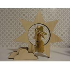Sternkopf-Engel Mini aus Akazienholz mit Posaune sitzend auf Stern